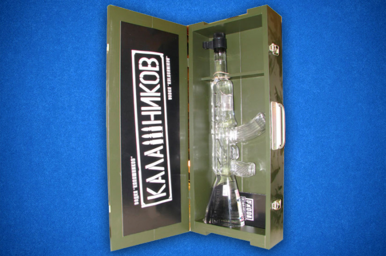 Коробка сувенираня с бутылкой